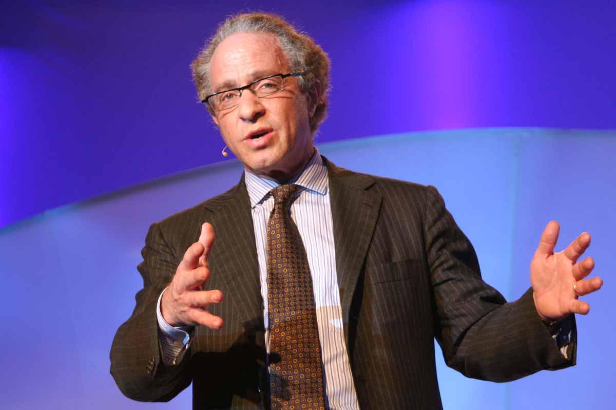 """Laut Googles Chef-Ingenieur Ray Kurzweil hat die Menschheit eine """"moralische Verpflichtung"""", Künstliche Intelligenz zu erforschen."""