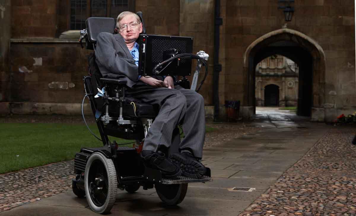 Der Physiker Stephen Hawking warnt vor einer Künstlichen Intelligenz als neue Lebensform, die den Menschen übertrifft.