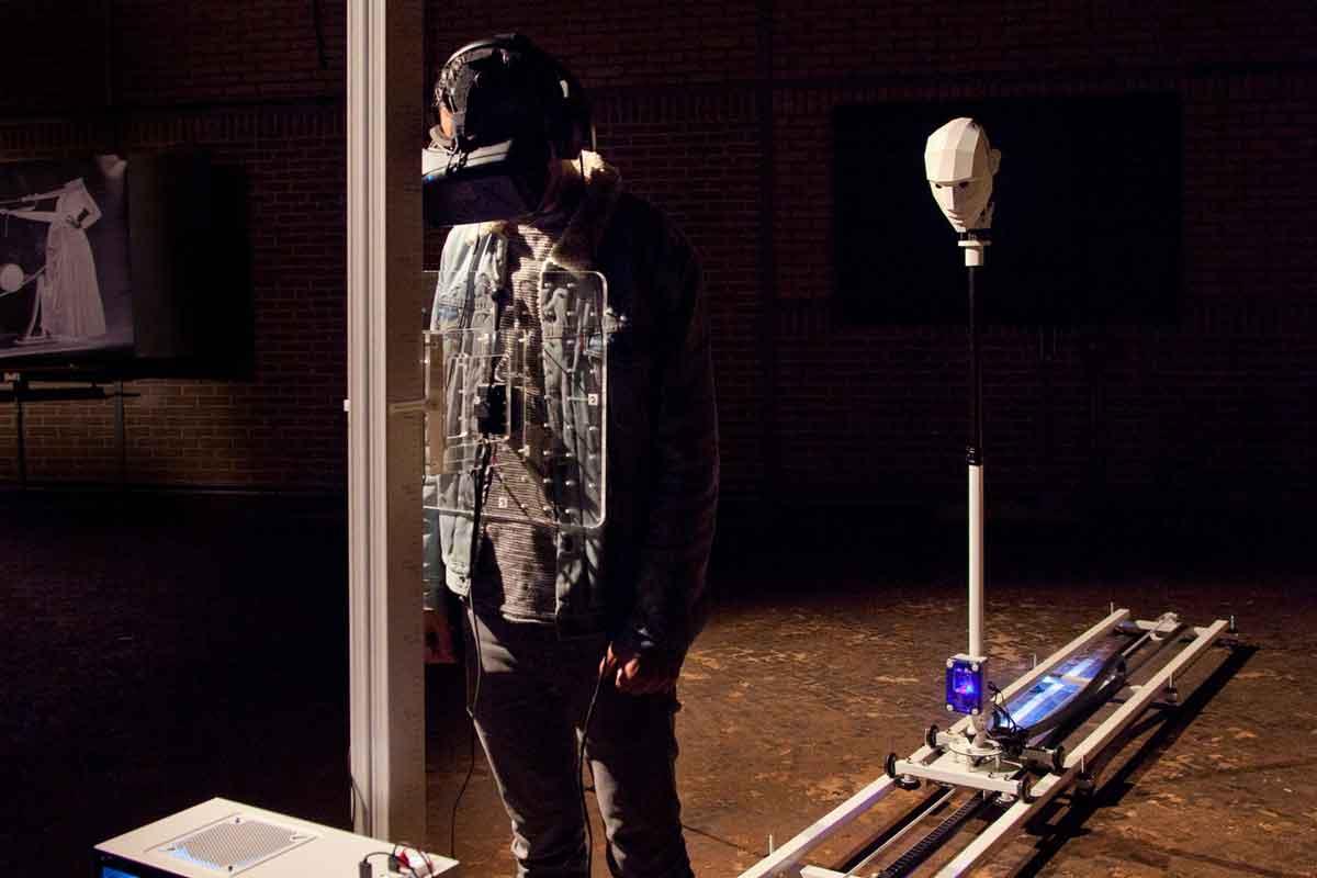 Eine Virtual-Reality-Simulation soll eine Nahtoderfahrung ohne lebensbedrohende Situation für jedermann erfahrbar machen.