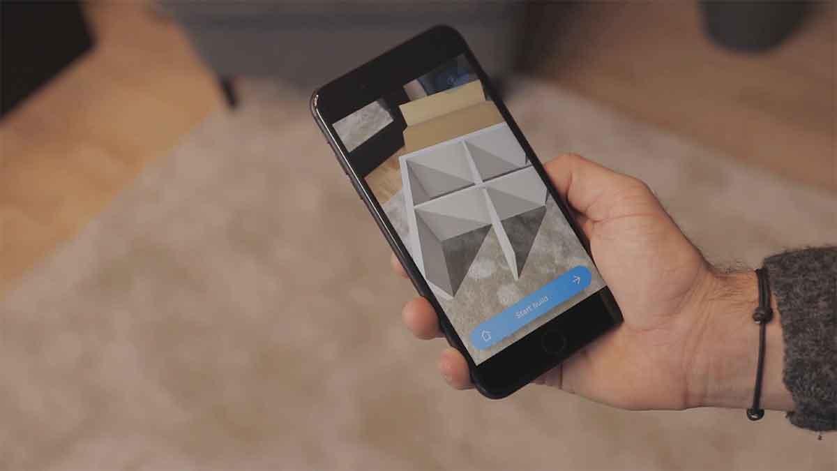 """Der""""AR Build Assistant"""" nimmt handwerklich Unbegabte an der Hand und zeigt visuell, wie man Ikea-Möbel zusammensetzt."""