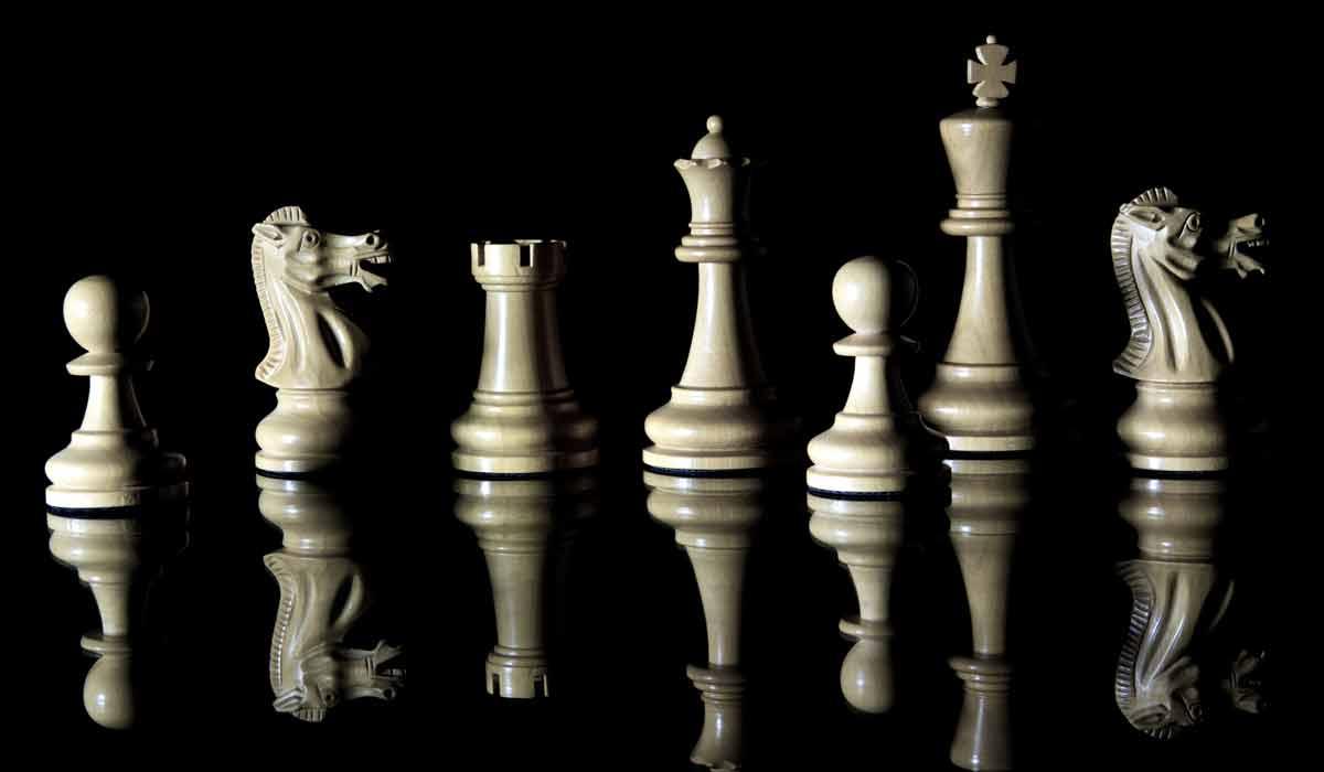 Nach Go ist jetzt auch Schach für immer an die Maschinen verloren. Google adaptierte und verbesserte dafür die vorhandene Go-KI.