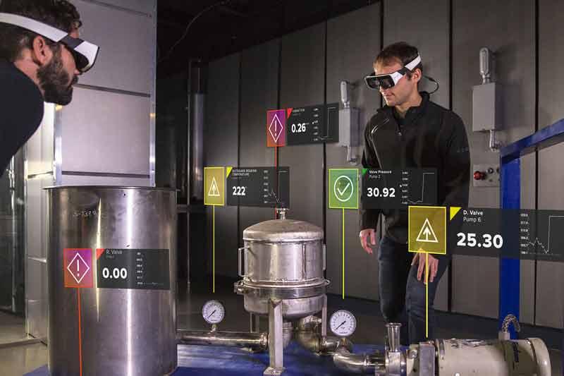 Daqris neue AR-Brille im Einsatz am Arbeitsplatz. Bild: Daqri