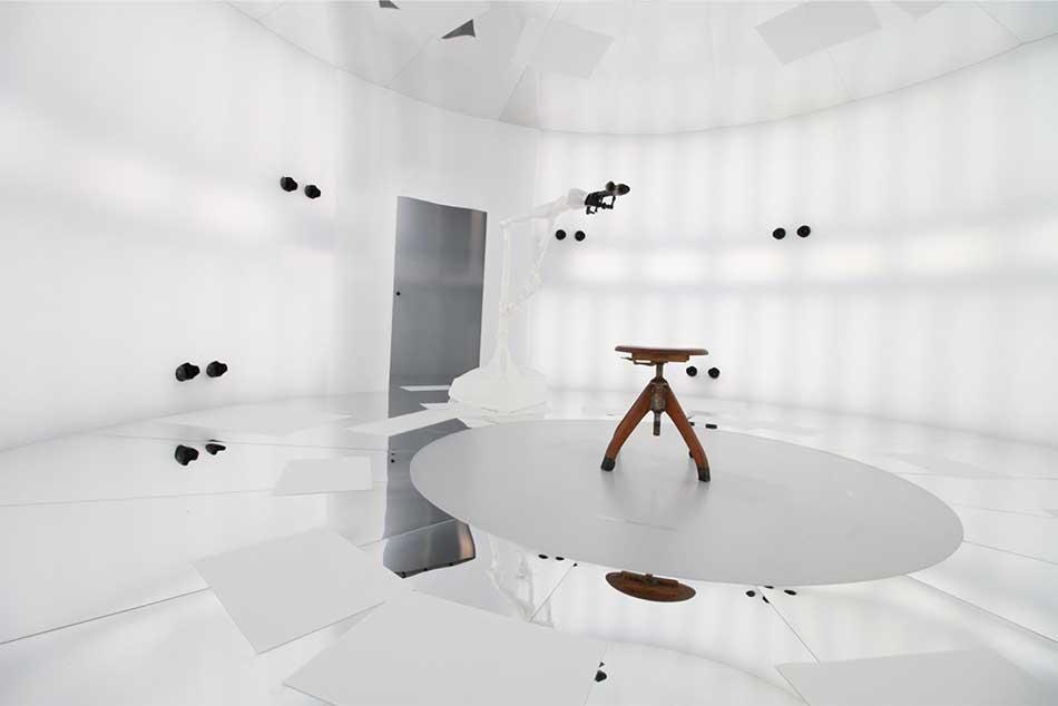 Das HHI filmt Menschen in 3D und fügt sie in computergenerierte Umgebungen ein. Das Ergebnis sind begehbare Filmszenen mit digitalen Darstellern.