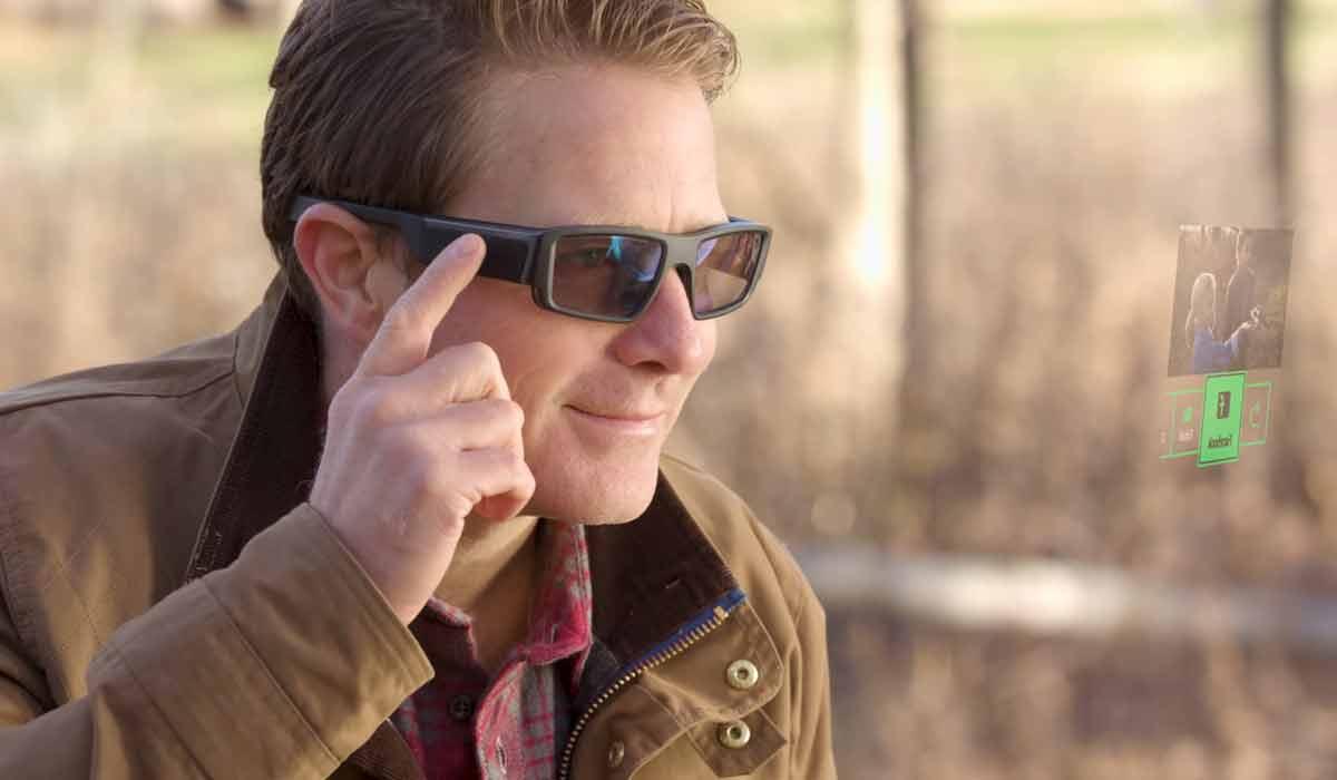 Der Datenbrillenhersteller Vuzix will mit der neuen Blade-Brille in den Endverbrauchermarkt vorstoßen.