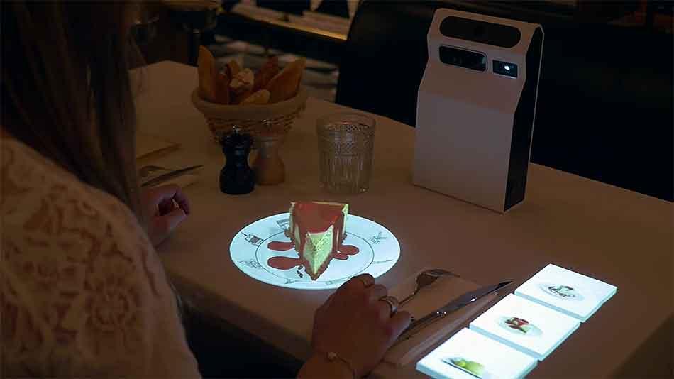 Menükarte adé: Projektor bietet Augmented-Reality-Vorschau auf Gerichte