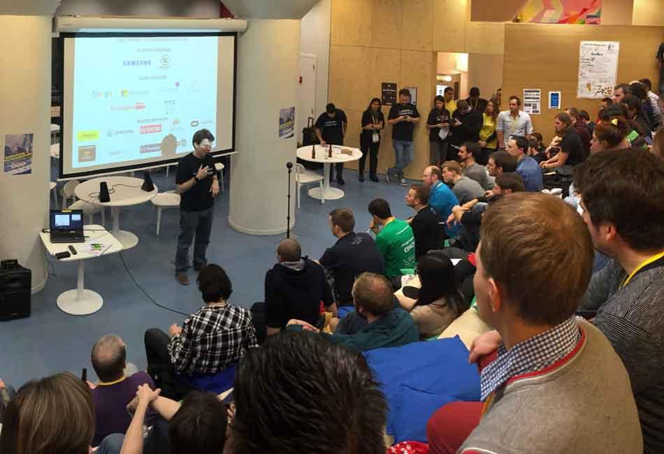 Die Virtual-Reality-Meetups aus Frankfurt, Köln und München tun sich zusammen für ein einmaliges Social-VR-Experiment.