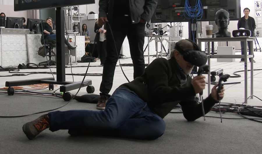 Um die Oasis von Ready Player One besser zu verstehen, besuchten die Schauspieler sie mit VR-Brillen auf dem Kopf.