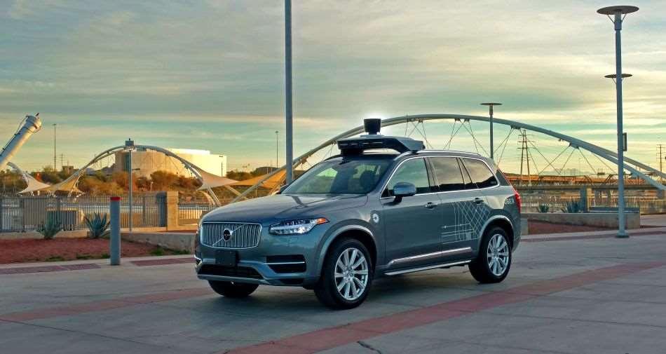 Eine neue Variante der KI-Trainingsmethode bestärkendes Lernen soll autonome Autos besser machen.