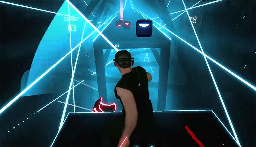 Beat Saber verbindet das Musikspielgenre, Lichtschwerter und Virtual Reality zu einer ebenso berauschenden wie schweißtreibenden VR-Erfahrung.