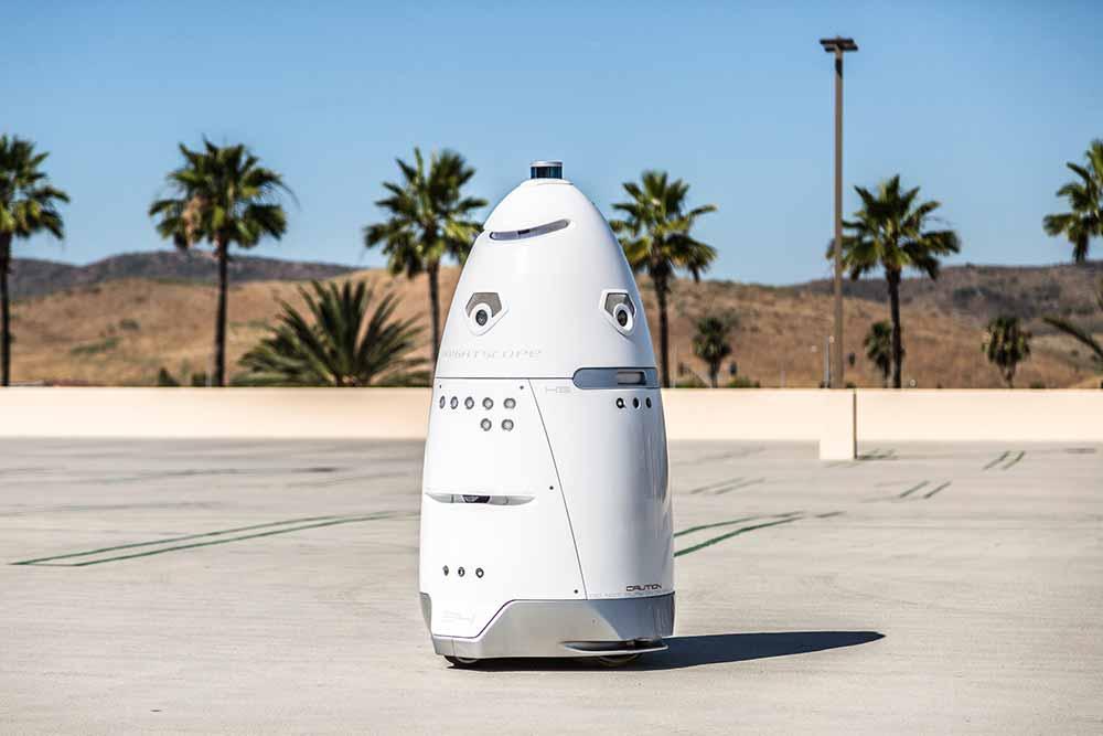 Ein Startup aus dem Silicon Valley will den hauseigenen Wachroboter K5 übers Schulgelände patrouillieren lassen. Sein Nutzen ist jedoch fraglich.