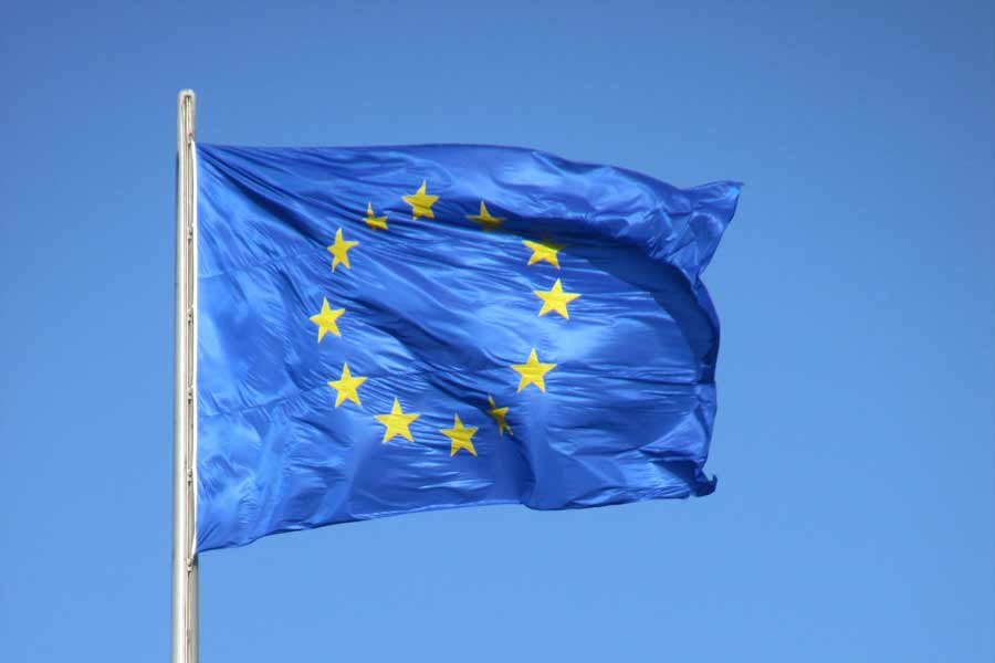 Um den vermuteten Rückstand bei Künstliche-Intelligenz-Forschung auf die USA und China aufzuholen, stellt die EU eine KI-Agenda vor - und will bis 2020 hohe Investitionen auslösen.