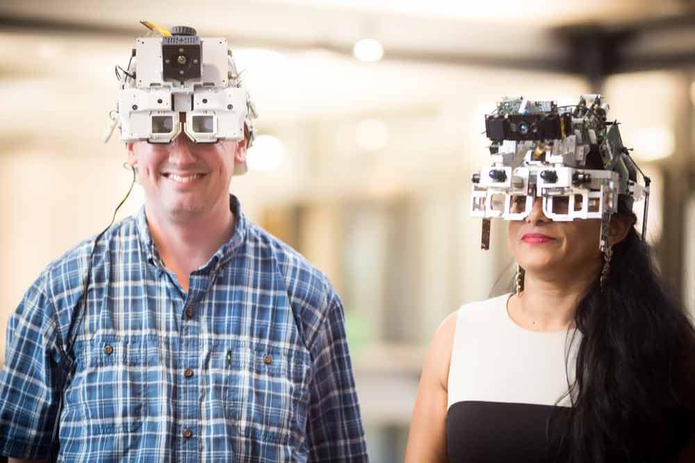 Microsoft gibt interessante Einblicke in die Entwicklung der Augmented-Reality-Brille Hololens. Das Säbelrasseln könnte auch dem Konkurrenten Magic Leap gelten.