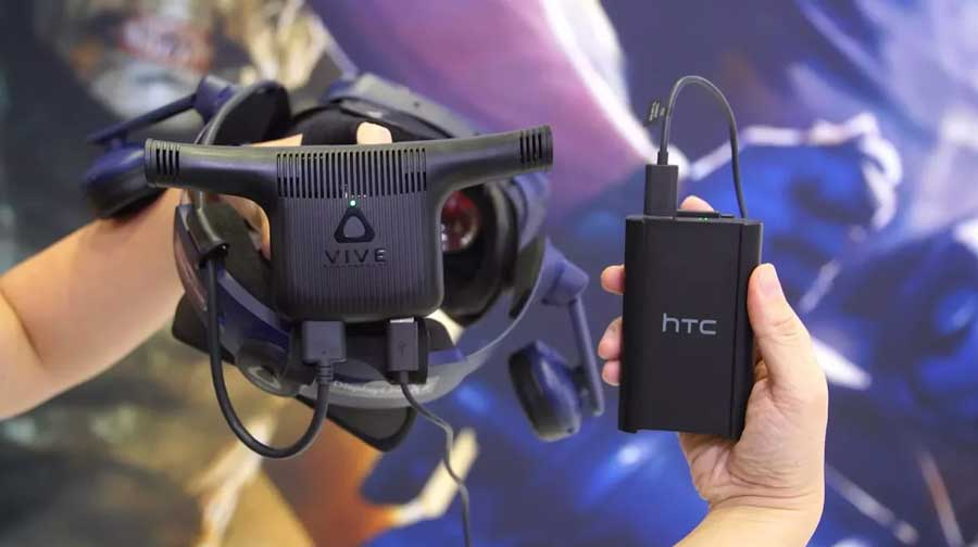 Auf der CES 2018 kündigten Intel und HTC einen offiziellen für HTC Vive und Vive Pro optimierten Wireless-Adapter für diesen Sommer an. Laut eines ersten Testberichts funkt der auf Kabelniveau, ist aber ähnlich kompliziert im Aufbau wie TPCasts Drahtlosadapter.