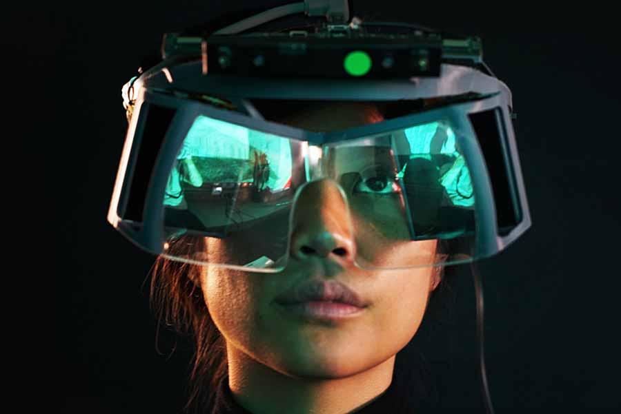 Die Fingertracking-Spezialisten von Leap Motion verbreitern ihr Portfolio mit einer Open Source Augmented-Reality-Brille.