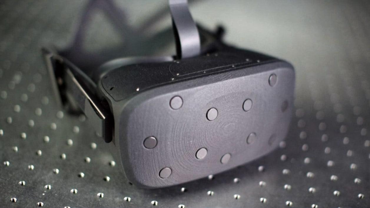 Auf der Facebook F8 Entwicklerkonferenz gibt Oculus einen Einblick in die eigene VR-Werkstatt und zeigt einen frühen Prototyp von Oculus Rift 2.