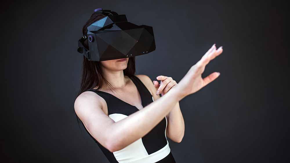 XTAL: 5K-Brille mit 170 Grad Sichtfeld und integriertem Leap-Motion-Modul
