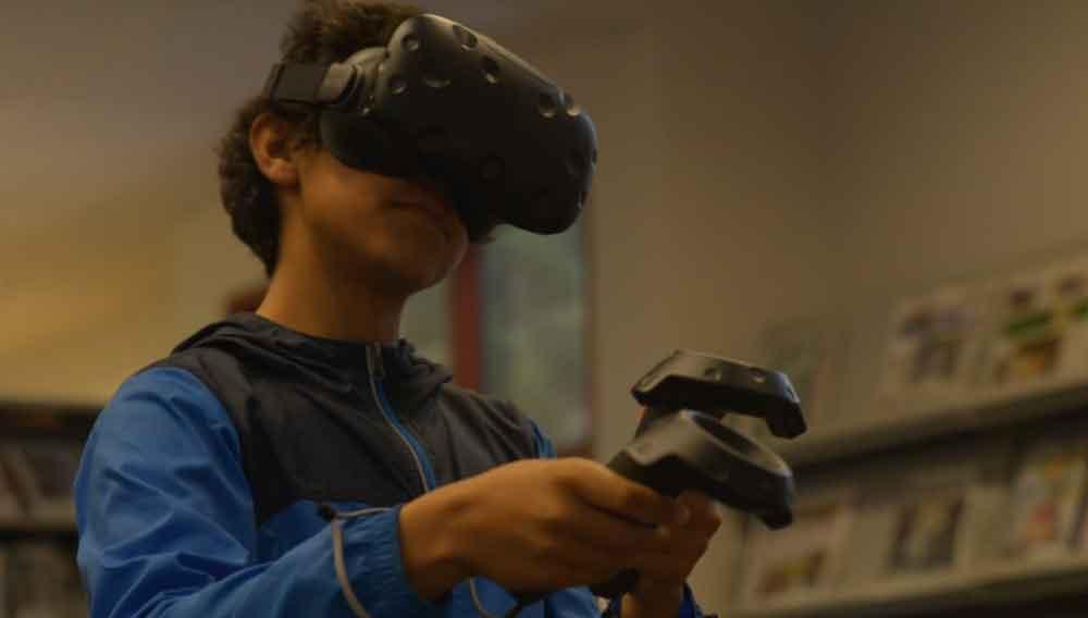 Hightech-VR und Bücher: Ist das die Kombination, die mehr junge Menschen in Bibliotheken lockt?