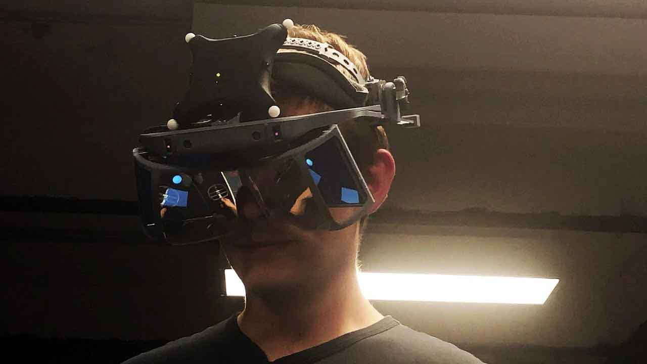 Die Hand- und Fingertrackingexperten von Leap Motion zeigen eine neue Demo: Tischtennis in Augmented Reality.