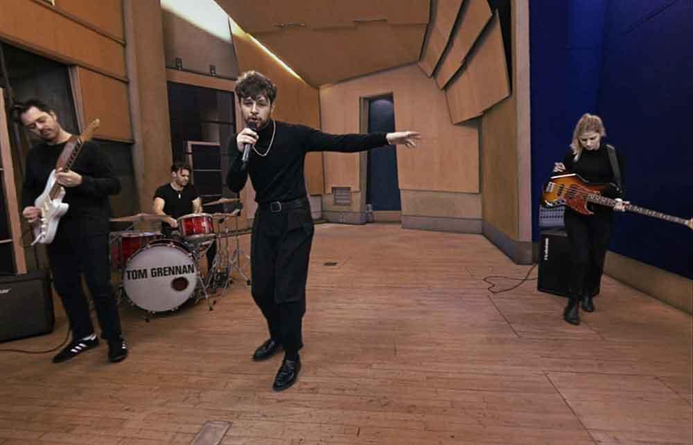 Sony experimentiert zum zweiten Mal mit immersiven Filmen: Nach dem Violinisten Joshua Bell tritt nun der britische Songwriter Tom Grennan in einem volumetrischen 360-Grad-Film auf.