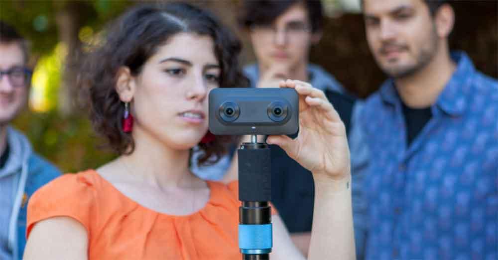 Google will Virtual Reality als Erzählmedium fördern und zugleich für das selbst entwickelte VR180-Format werben.