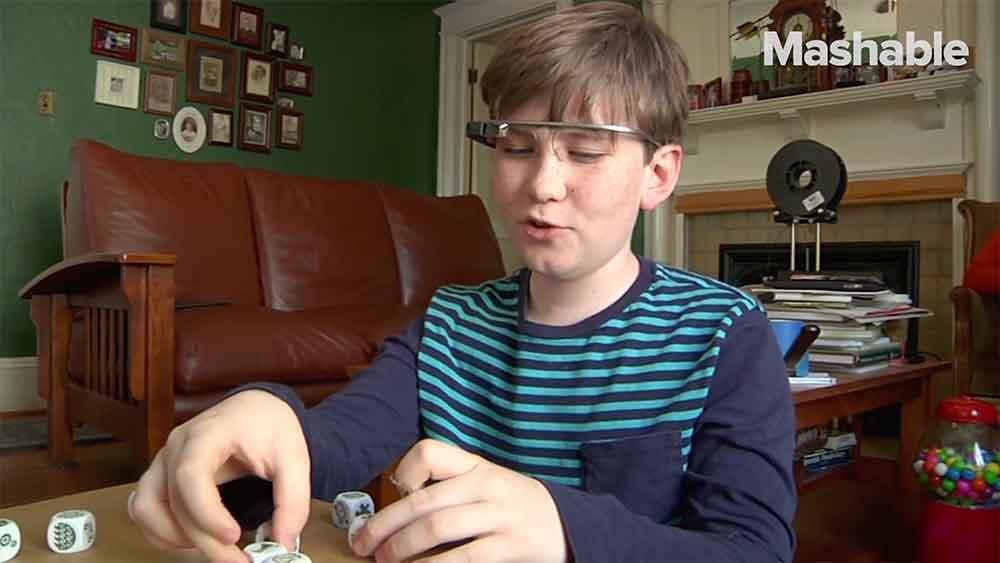 Einer Studie zufolge könnte Googles Datenbrille autistischen Kindern helfen, mit anderen Menschen in Kontakt zu treten und ihre Sozialkompetenz zu steigern.