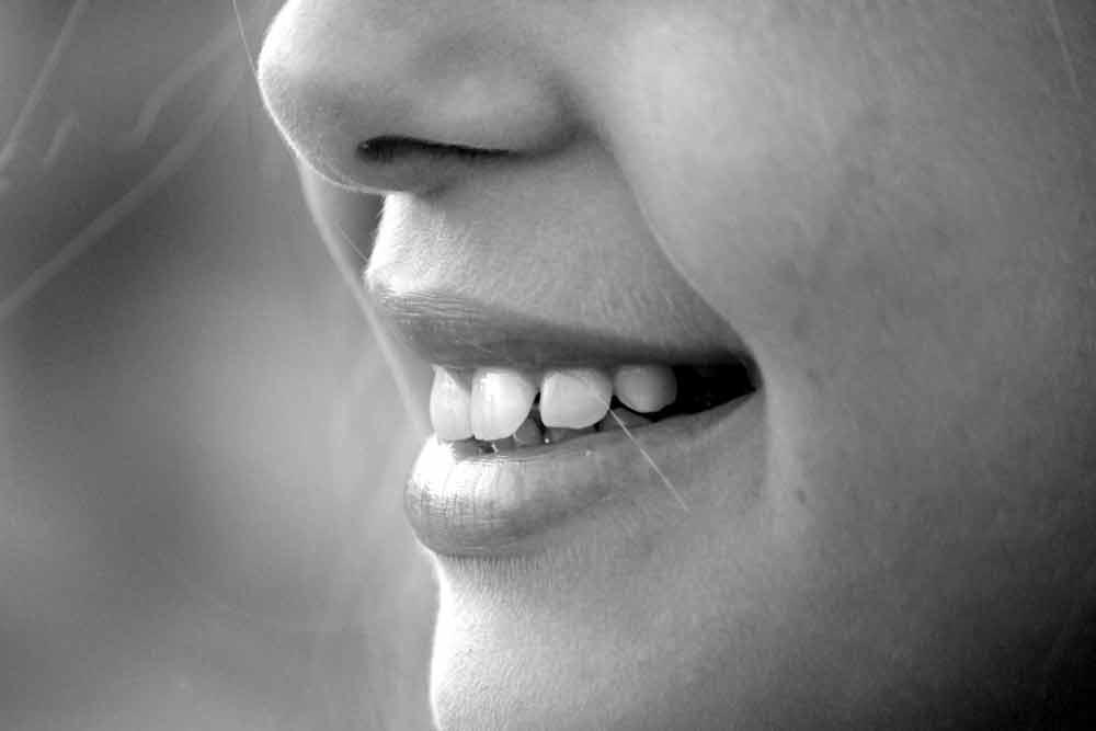Eine Deepmind-KI kann viel genauer Lippenlesen als speziell geschulte Menschen.