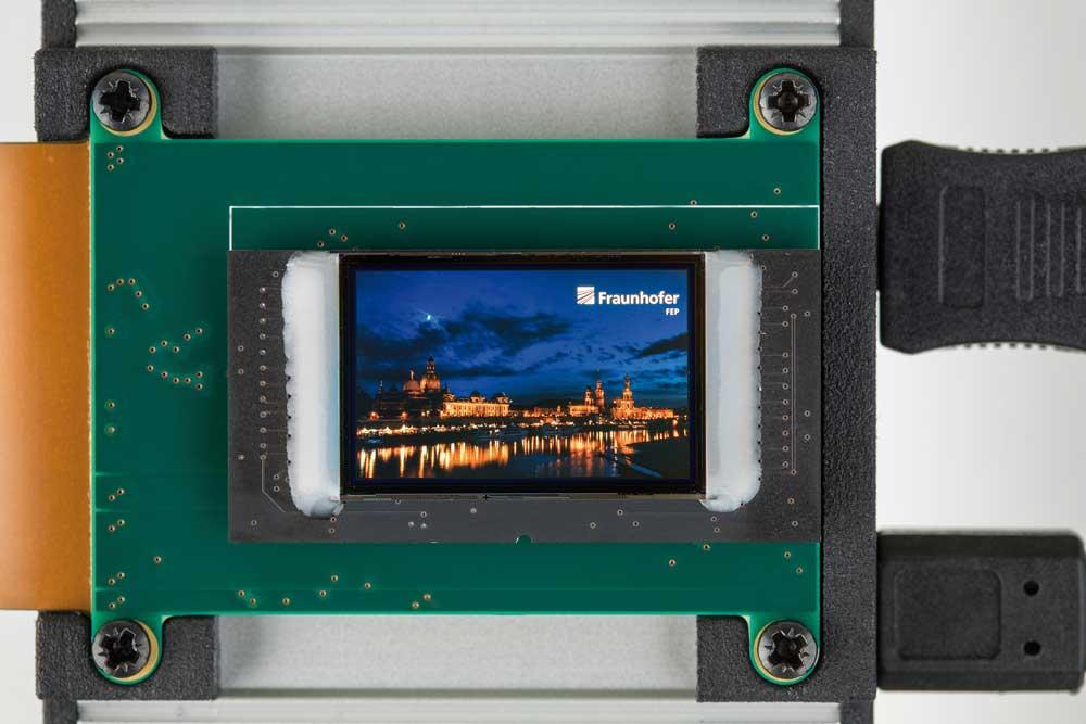 Das OLED-Mikrodisplay auf dem Chip. Bild: Fraunhofer FEP