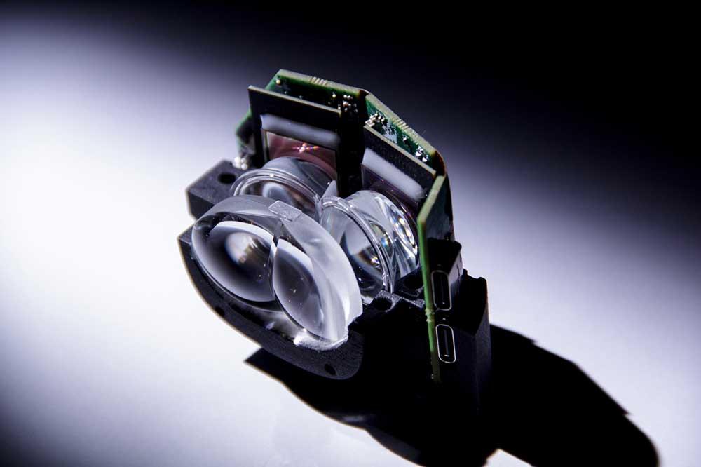 Das kompakte optische System vor den OLED-Mikrodisplays. Bild: Fraunhofer FPS