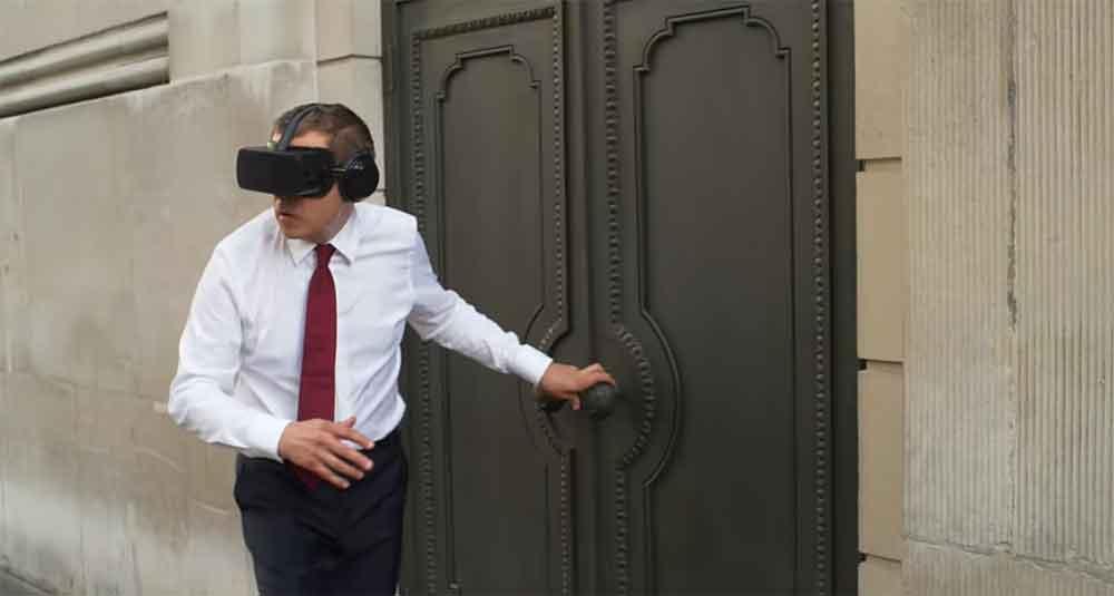 Der Darsteller des Mr. Bean zieht Virtual Reality ordentlich durch den Kakao - und sagt dabei viel über den aktuellen Stand der Technik aus.