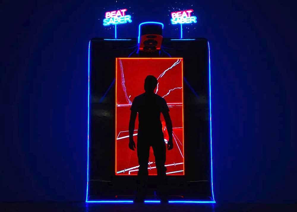 Das VR-Phänomen Beat Saber bekommt einen zweite VR-Automaten gewidmet, der gänzlich ohne Assistenz laufen soll.
