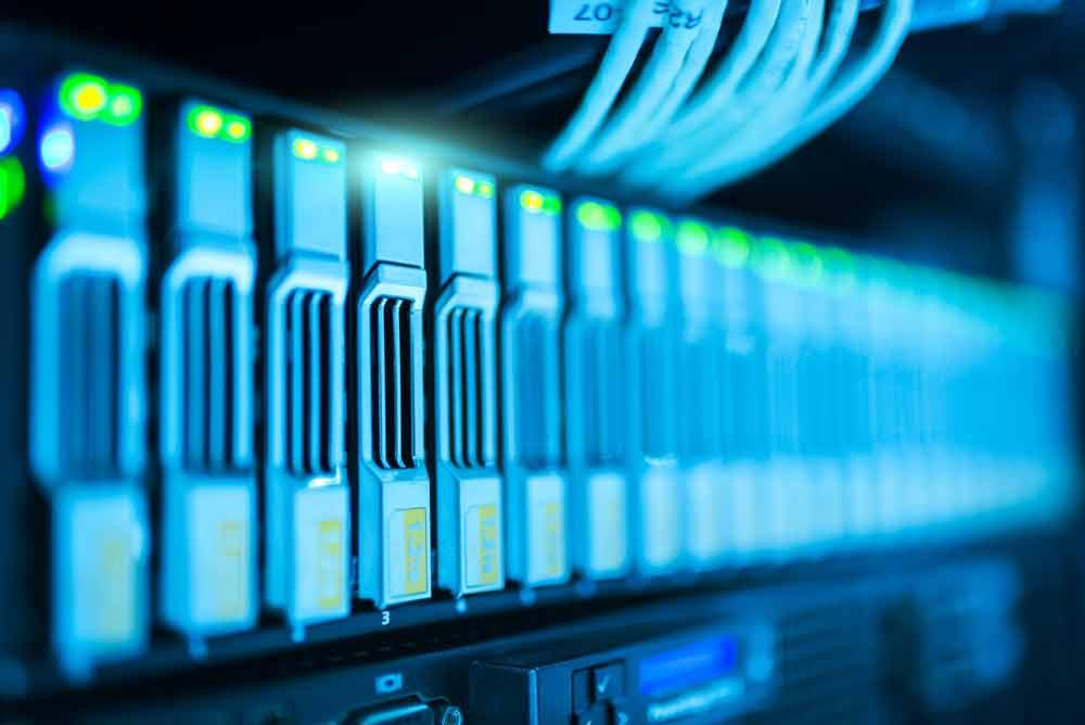 Derzeit findet in Potsdam die Digital-Kabinettsklausur der Bundesregierung statt. Dort soll die Strategie für Künstliche Intelligenz beschlossen werden. Bis 2025 sollen drei Milliarden Euro in die Zukunftstechnologie fließen.
