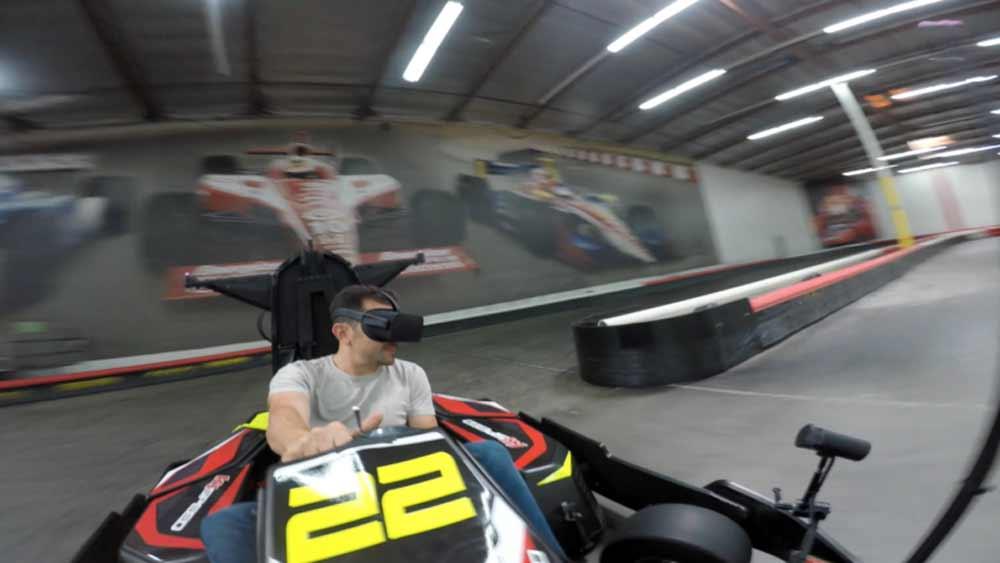 VR-Brille mit Gokart: Wie Mario Kart im echten Leben