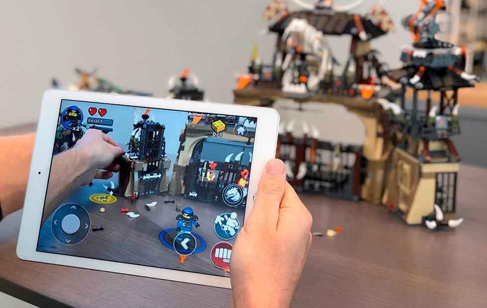 """Augmented Reality: """"Lego Playgrounds"""" erweckt Legosteine zum Leben"""