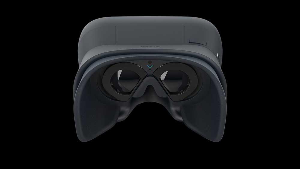 Anfang 2019 erscheint Varjos hochauflösende Highend-VR-Brille. Road to VR konnte den neuesten Prototyp ausprobieren.