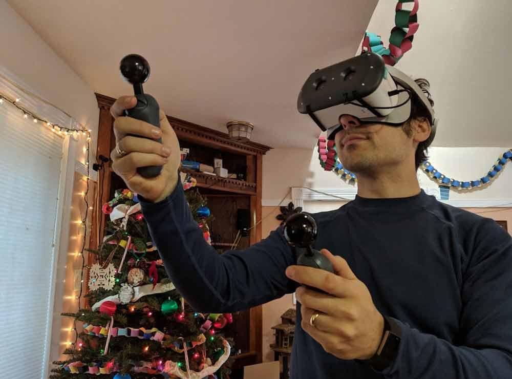 Endlich virtuelle Hände für Google-VR-Brillen.