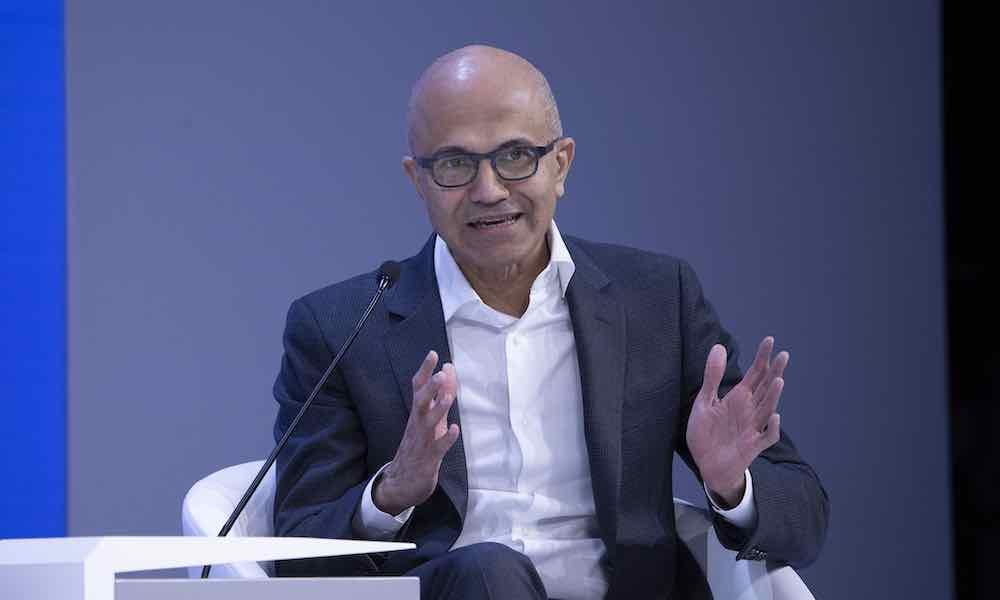 Microsoft will AR-Technologie fürs US-Militär entwickeln, mehr als 50 Mitarbeiter sind dagegen. Nun bezieht Satya Nadella Stellung.