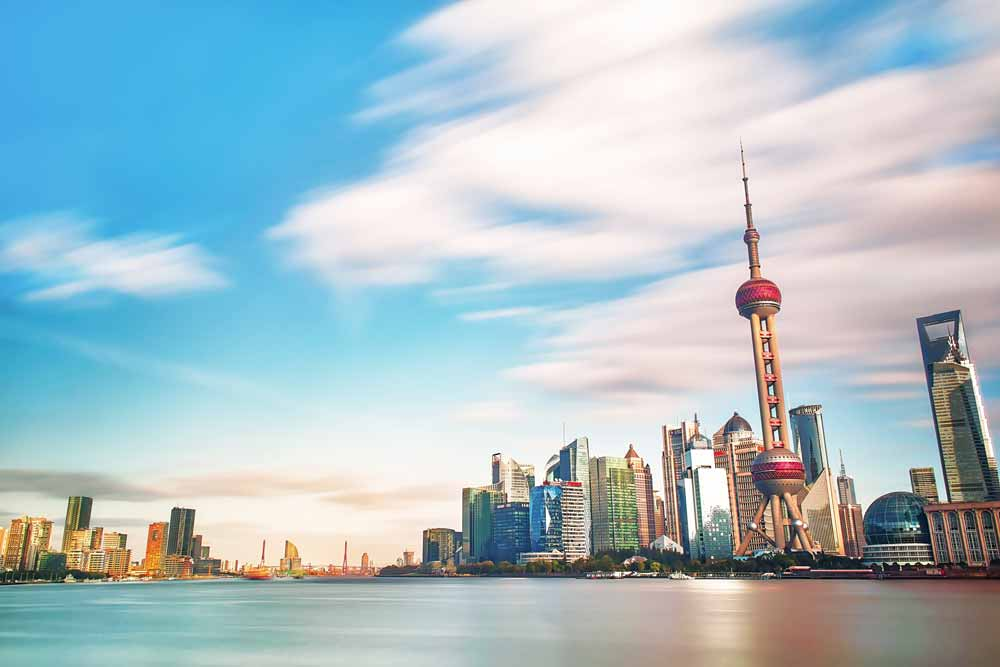 Ein neuer Bericht beleuchtet Chinas zivile und militärische KI-Strategie und die Gründe hinter den hohen KI-Investitionen.