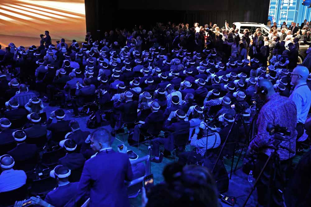 750 VR-Brillenträger im selben Raum – der Anblick ist auch 2019 noch … spannend.