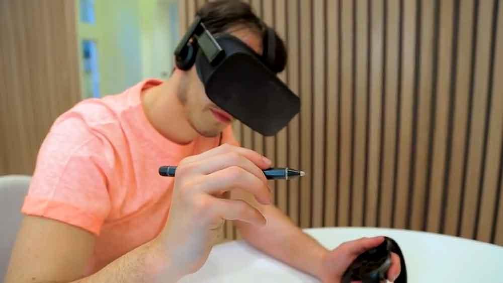Mit dem VR-Stift können Grafiker oder Ingenieure mit großer Präzision in 3D zeichnen und annotieren.