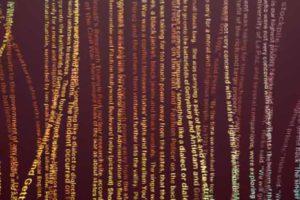 OpenAI stellt eine Künstliche Intelligenz vor, die Texte versteht, übersetzt und schreibt. Die Forscher halten eine Veröffentlichung für zu gefährlich: Das Internet könnte mit automatisch geschriebenen, glaubhaften Fake-Texten überschwemmt werden.