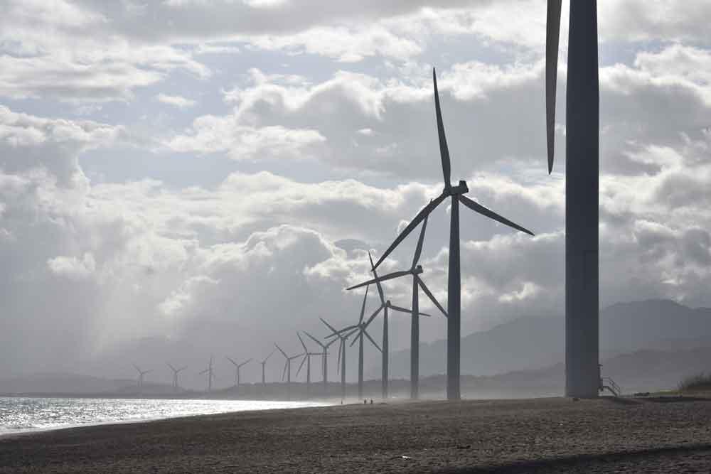 Googles und Deepminds neueste KI-Errungenschaft kann die Stromerzeugung von Windkraftanlagen 36 Stunden im Voraus prognostizieren. Das soll Windenergie wertvoller machen.