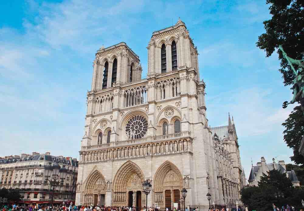 Mittels 3D-Scanning und Photogrammetrie hätte man das Pariser Wahrzeichen zumindest digital für die Nachwelt erhalten können.