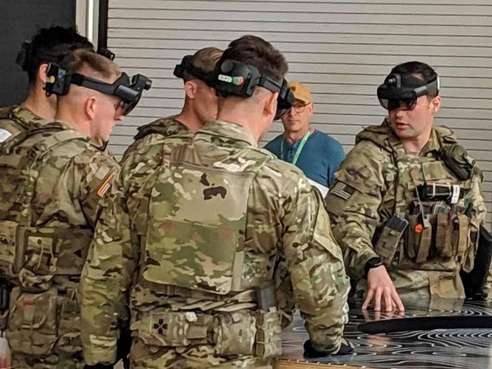 | hololens 2 militaerbrille soldaten