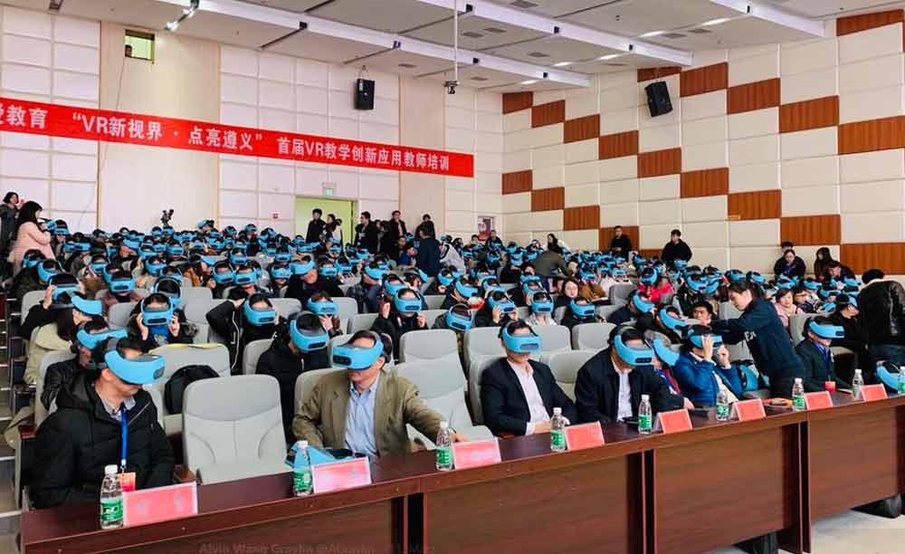 So sieht es aus, wenn 300 Studierende gleichzeitig VR-Brille tragen