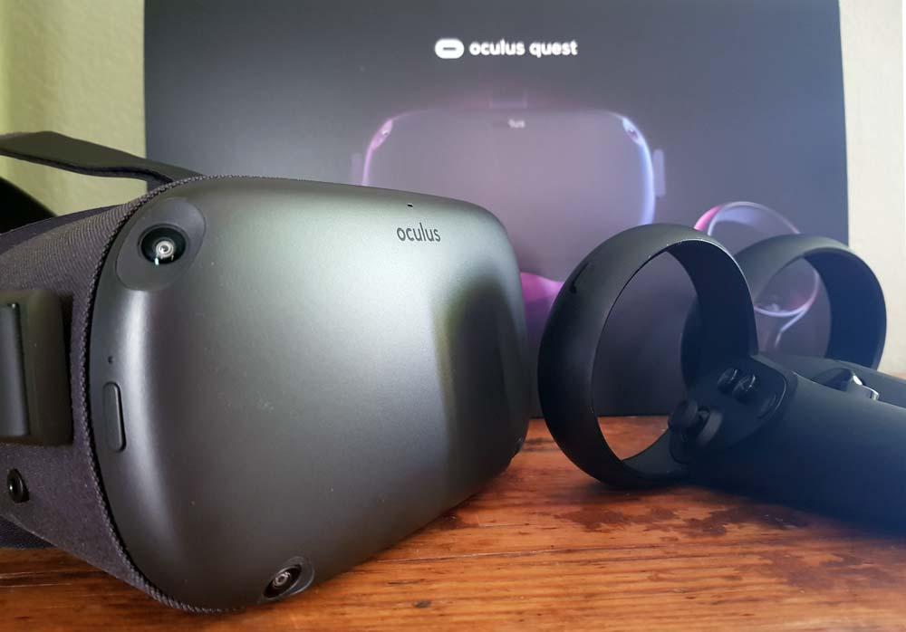 Oculus Quest ist Facebooks ambitionierteste VR-Brille. Sie überzeugt mit kabelloser Bewegungsfreiheit, großer App-Auswahl und hohem Nutzungskomfort.