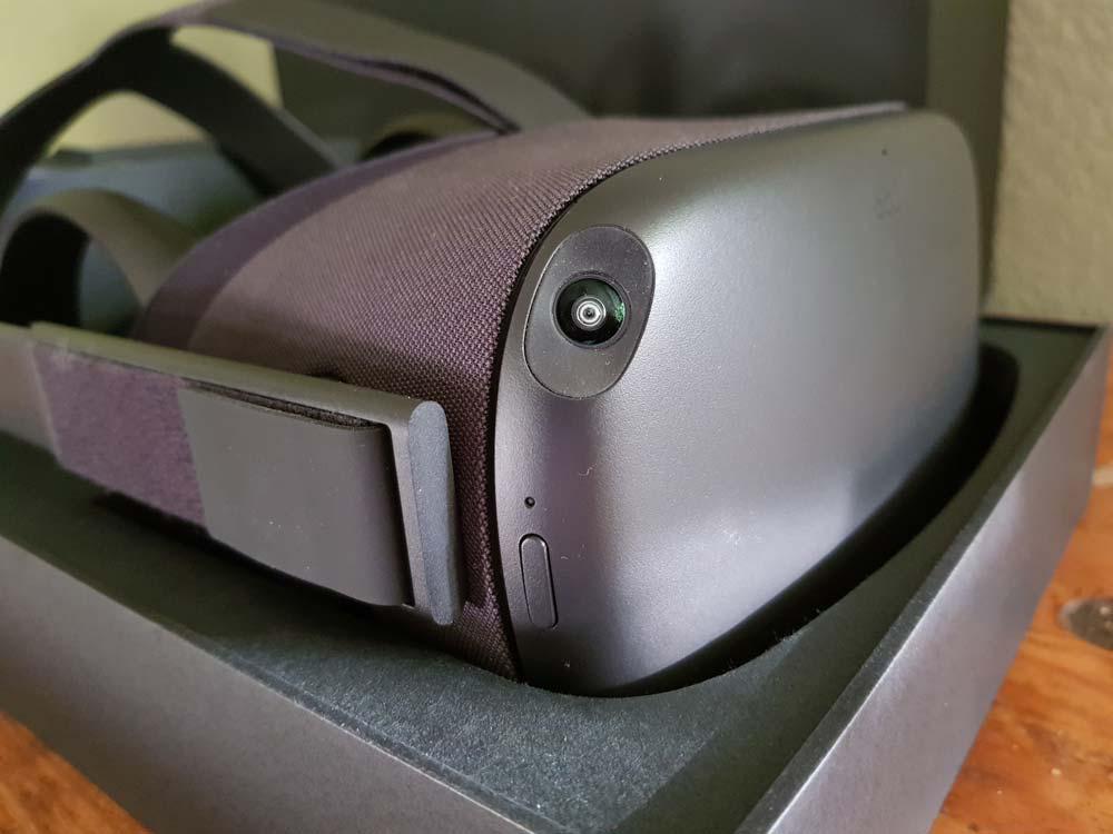 Oculus Quest frisch aus der Verpackung: Facebooks ambitionierteste VR-Bille. Bild: Oculus