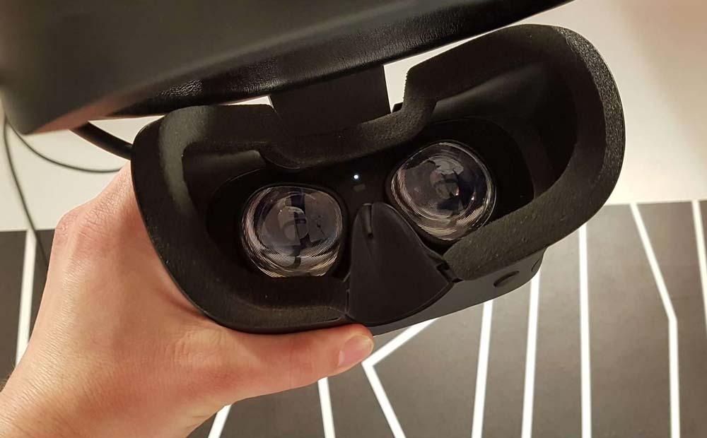 Rift S hat die gleichen Linsen wie Oculus Go. Sie sind besser als die in Rift, unter anderem gibt's keine störenden Lichtblitzer mehr, vollbringen aber keine Wunderdinge.