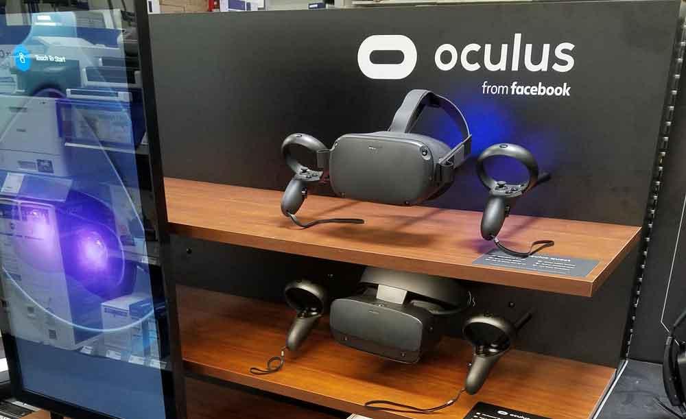In den USA investiert Facebook in reichlich Regalplatz für Oculus-Brillen.