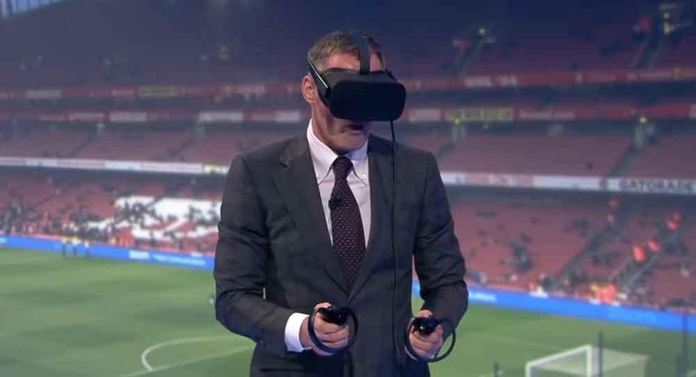 Schiriblick mit VR-Brille: Eigentlich eine coole Idee, aber Twitter-Nutzer reagieren mit viel Hohn auf den ungewohnten Anblick.