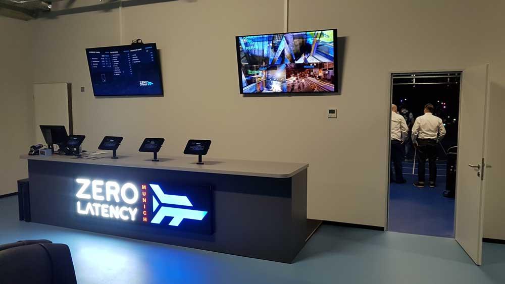 Willkommen bei Zero Latency: Die Lobby ist im Sci-Fi-Look gehalten. Bild: Steiner / MIXED